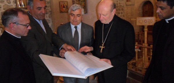В рамках визита в Азербайджан президента Понтификского совета Государства Ватикан по культуре кардинала Джанфранко Равази, посетил удинскую церковь Св. Елисея в п. Нидж