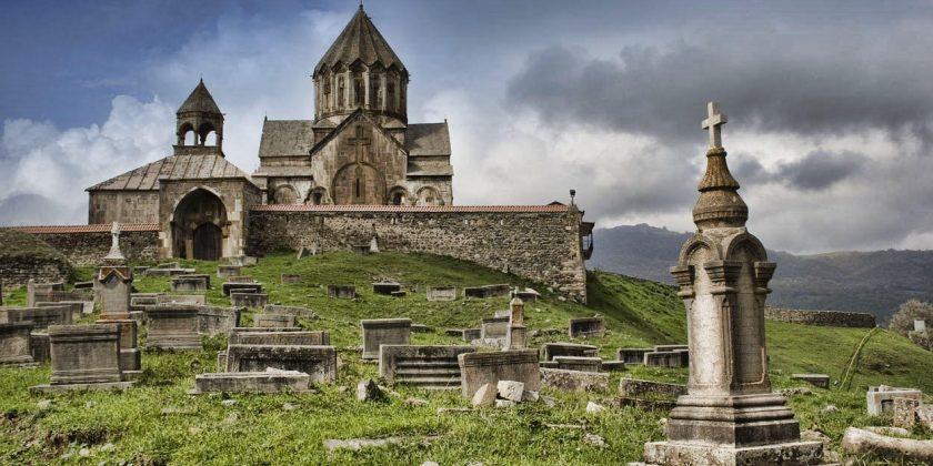 Удинской (Албанской) Автокефальной Православной Церкви – быть! Захваченный армянскими агрессорами Гандзасар должен быть возвращен удинам!