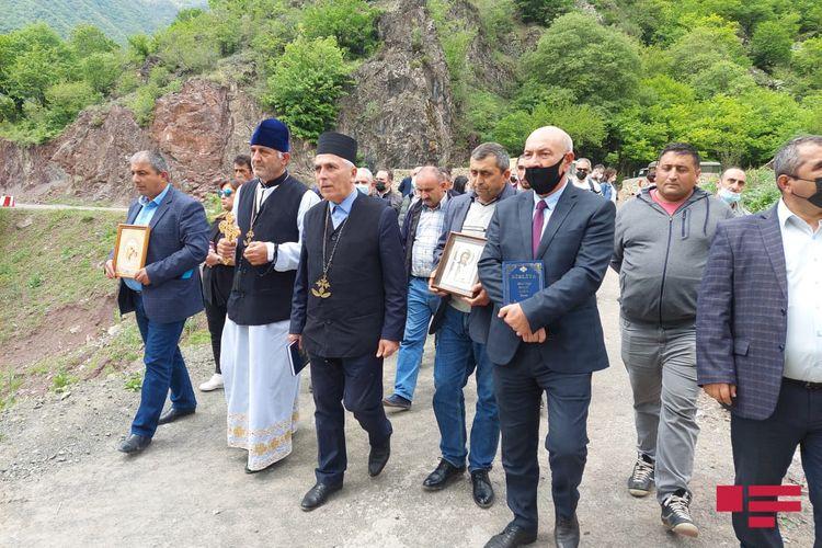 Пасха в Карабахе! Удины Азербайджана провели пасхальные службы в монастырском комплексе Худавенг. Прозвучала литургия на удинском языке. Это уже пятая поездка представителей албано-удинской общины Азербайджана на освобожденные территории.